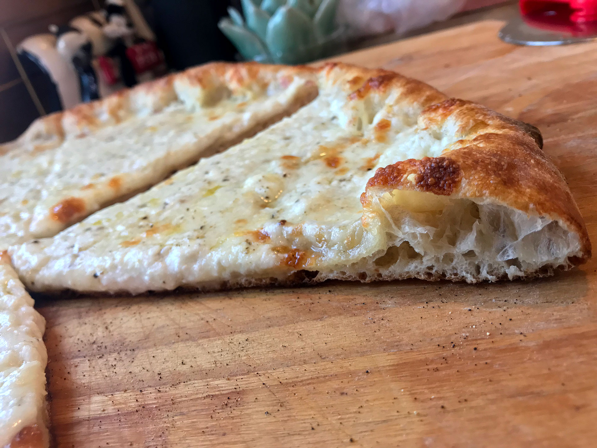 four cheese pizza crumb